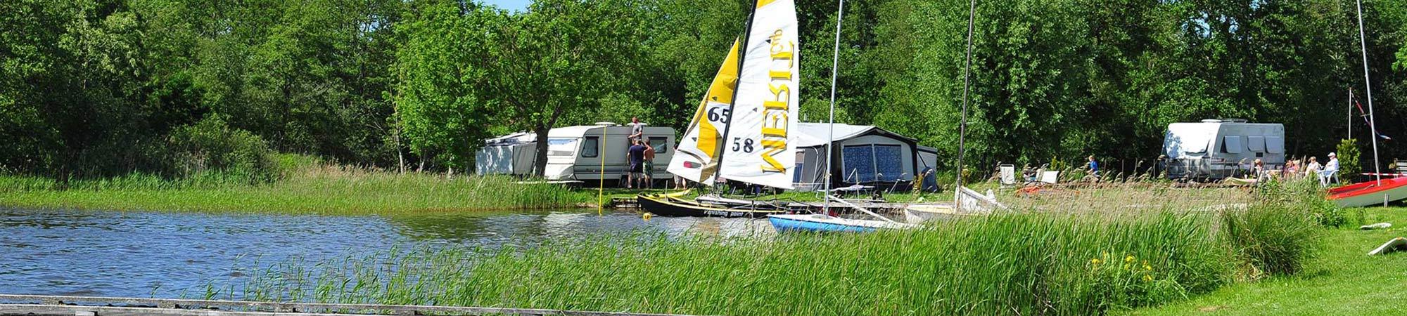 camping_aan_het_water_in_friesland